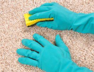 Как выполнить чистку ковра