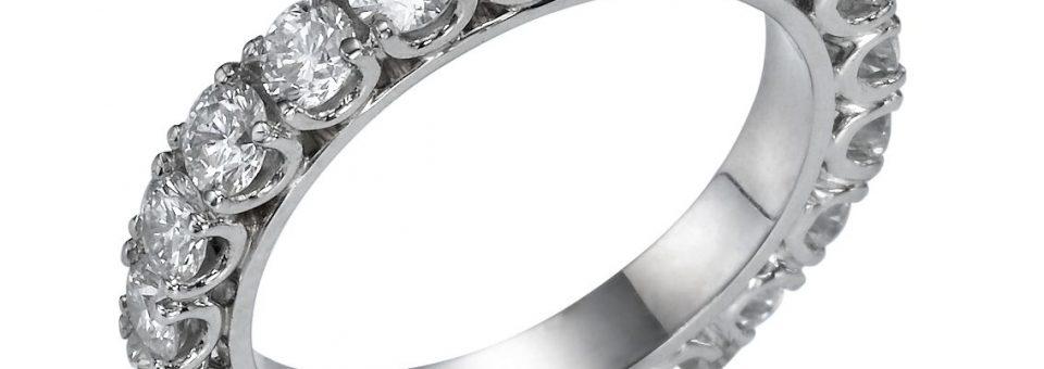 Чистка украшений из белого золота