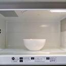 Как очистить микроволновку (три простых способа)